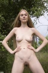 NANCY - Naked in Nature (x136)